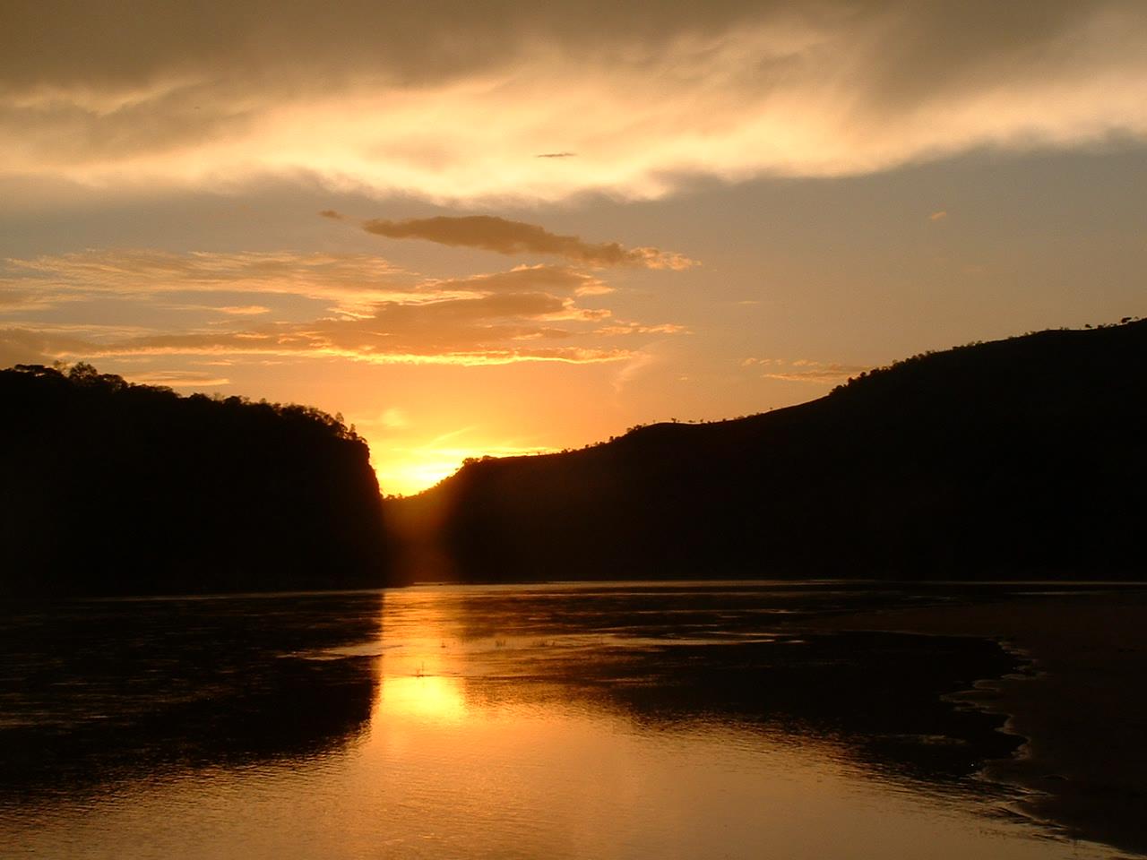 Coucher de soleil sur les gorges de Bemaraha
