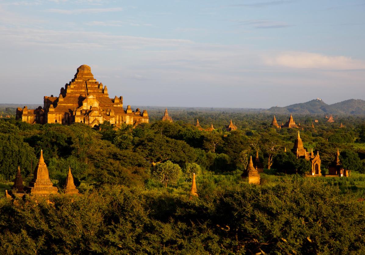 Les milliers de pagodes à Bagan