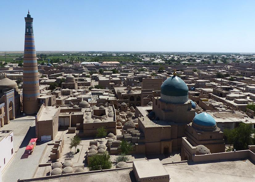 Vue sur la mosquée Djouma à Khiva