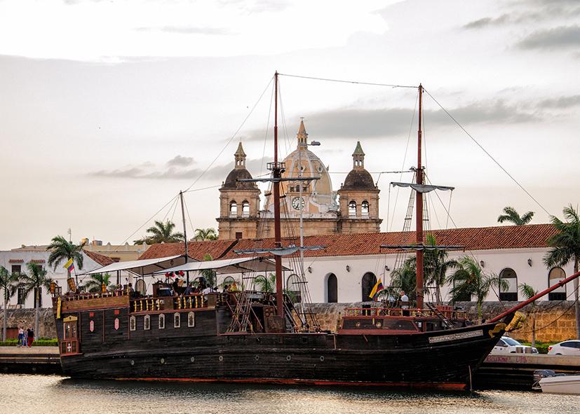 Goélette dans le port de Carthagène