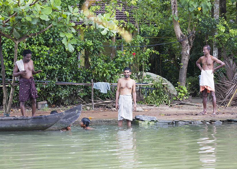 Scène de vie des indiens dans les Backwaters