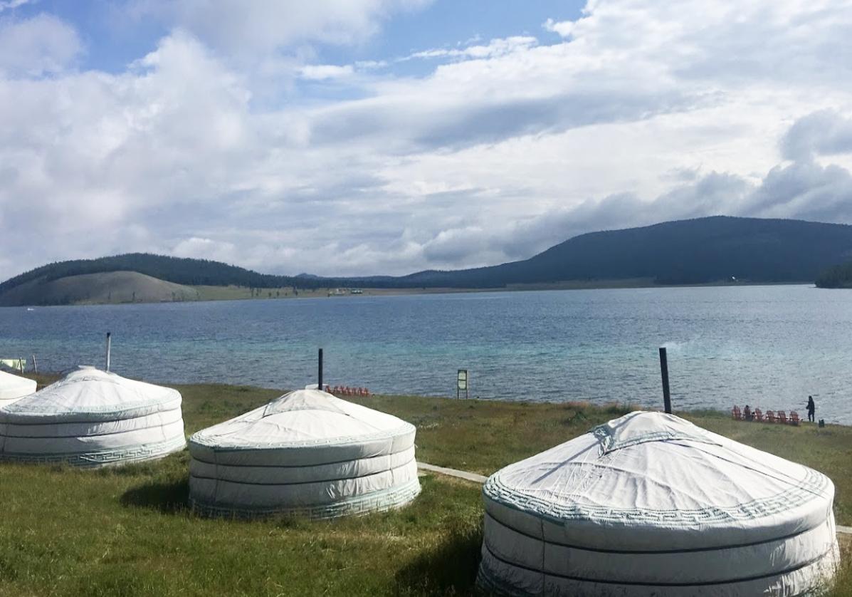 Le grand lac Khovsgol