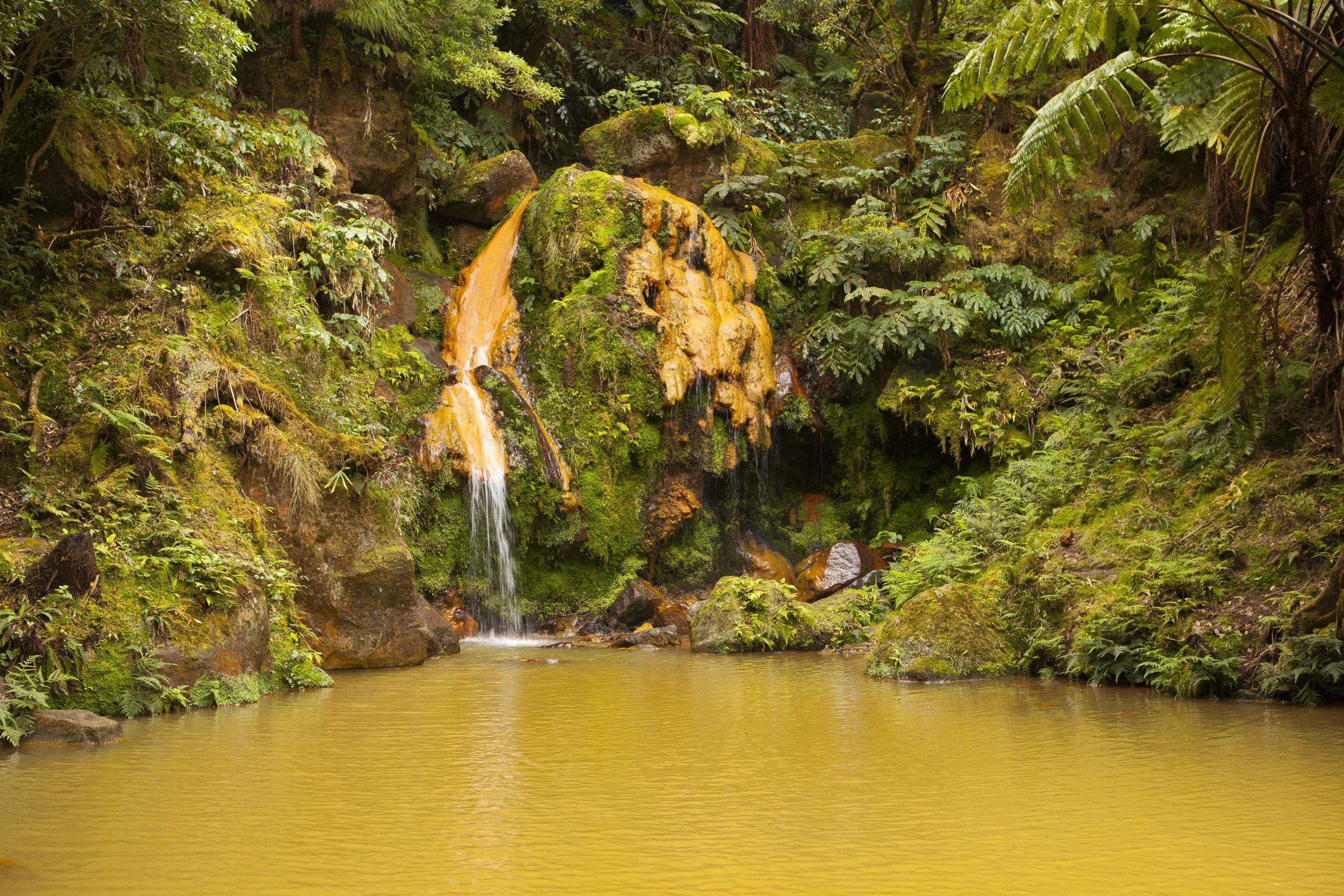 Canyoning dans le parc naturel da Ribeirinha dos Caldeirões