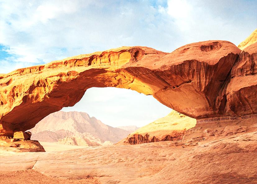 Arche Burdah dans le désert du Wadi Rum