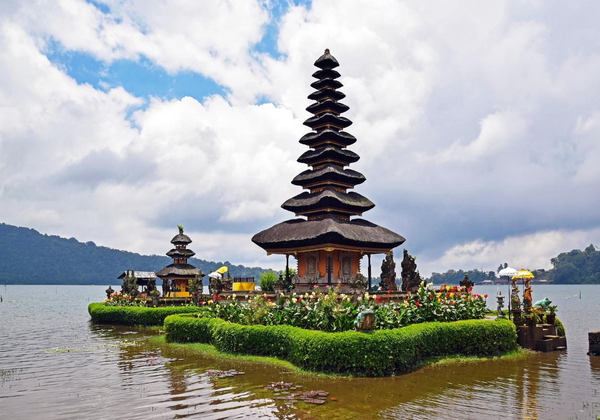 Temple lacustre de Ulun Danu