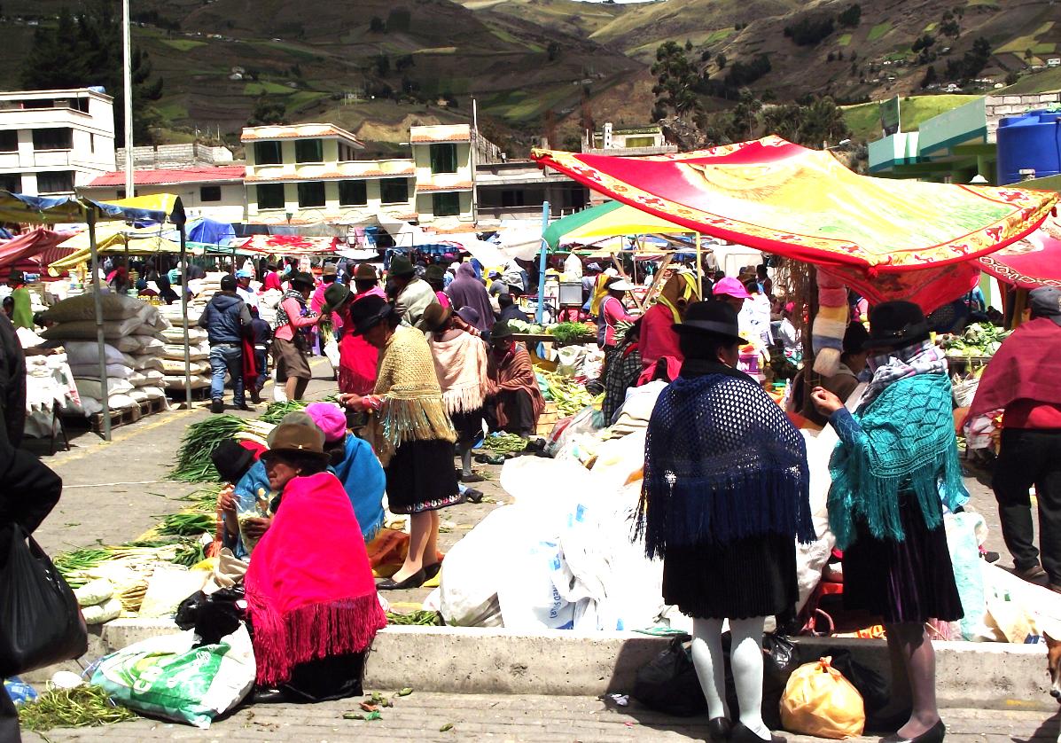 Village et marché local de Saquisili