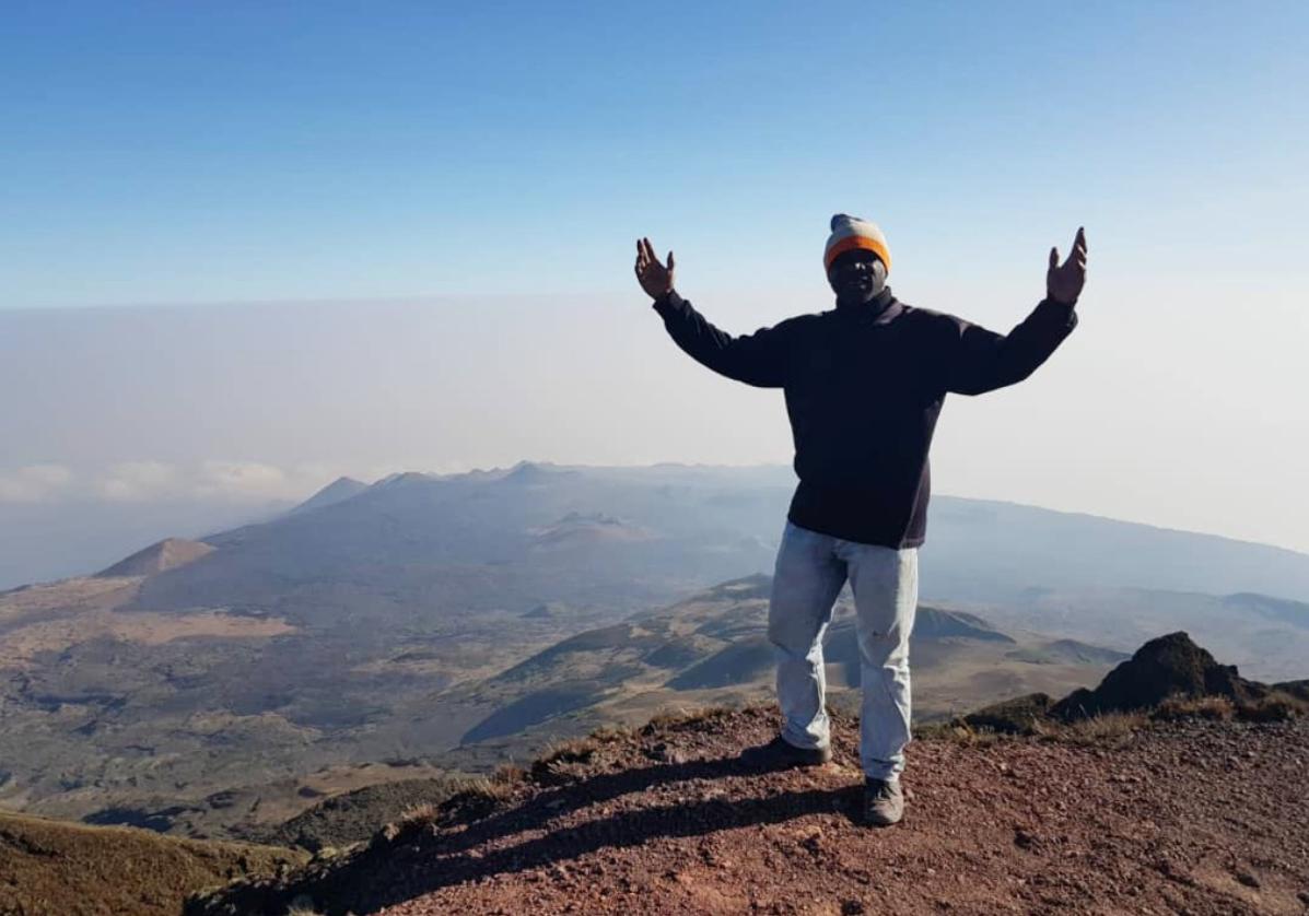 Atteinte du sommet du Mont Cameroun