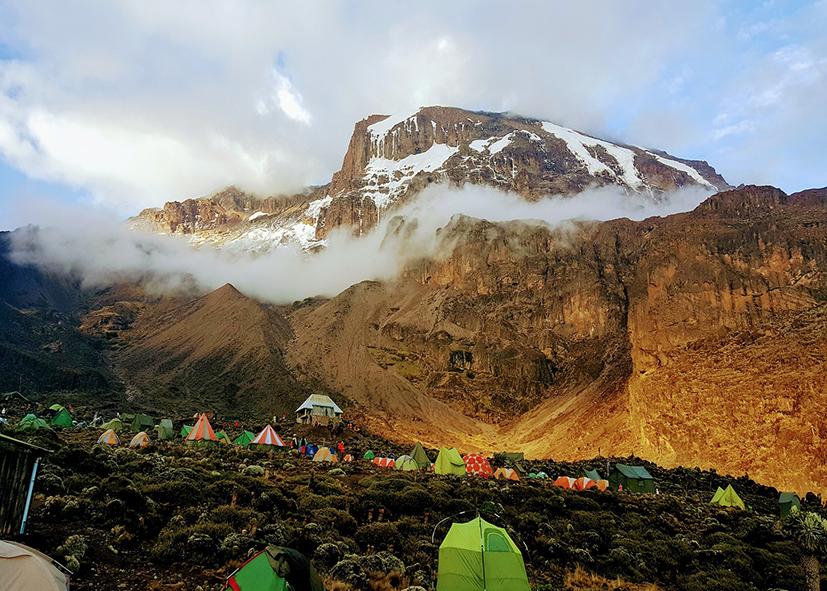 Camp de Barafu Hut voie d'accés pour le sommet du Kilimandjaro
