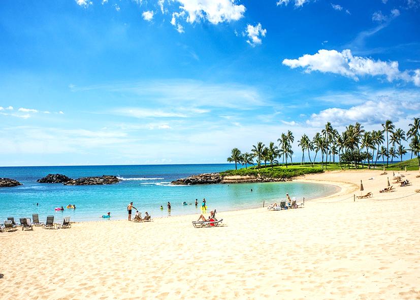Plage de Waikiki sur l'ile d'Oahu