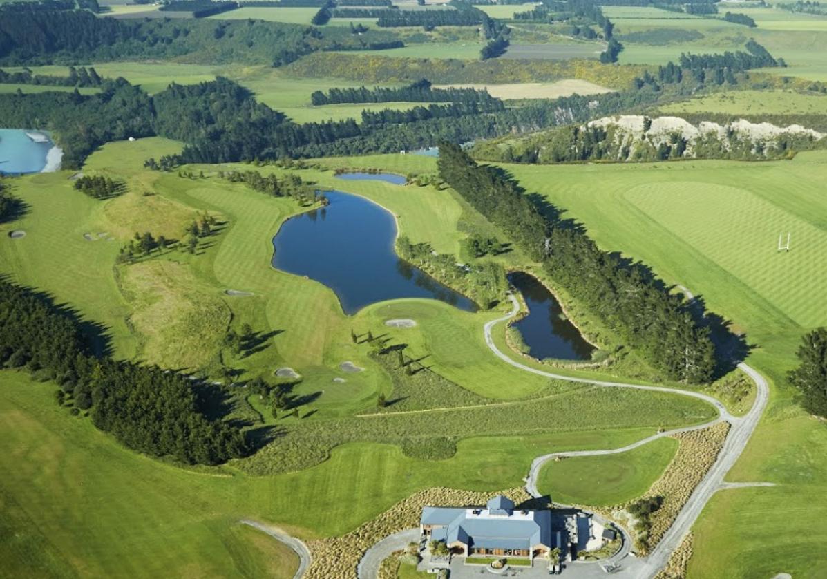 Golf su Terrace Downs Golf Resort