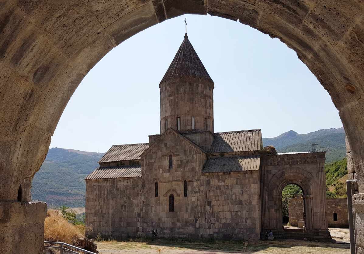Complexe monastique de Tatev et spécialités locales