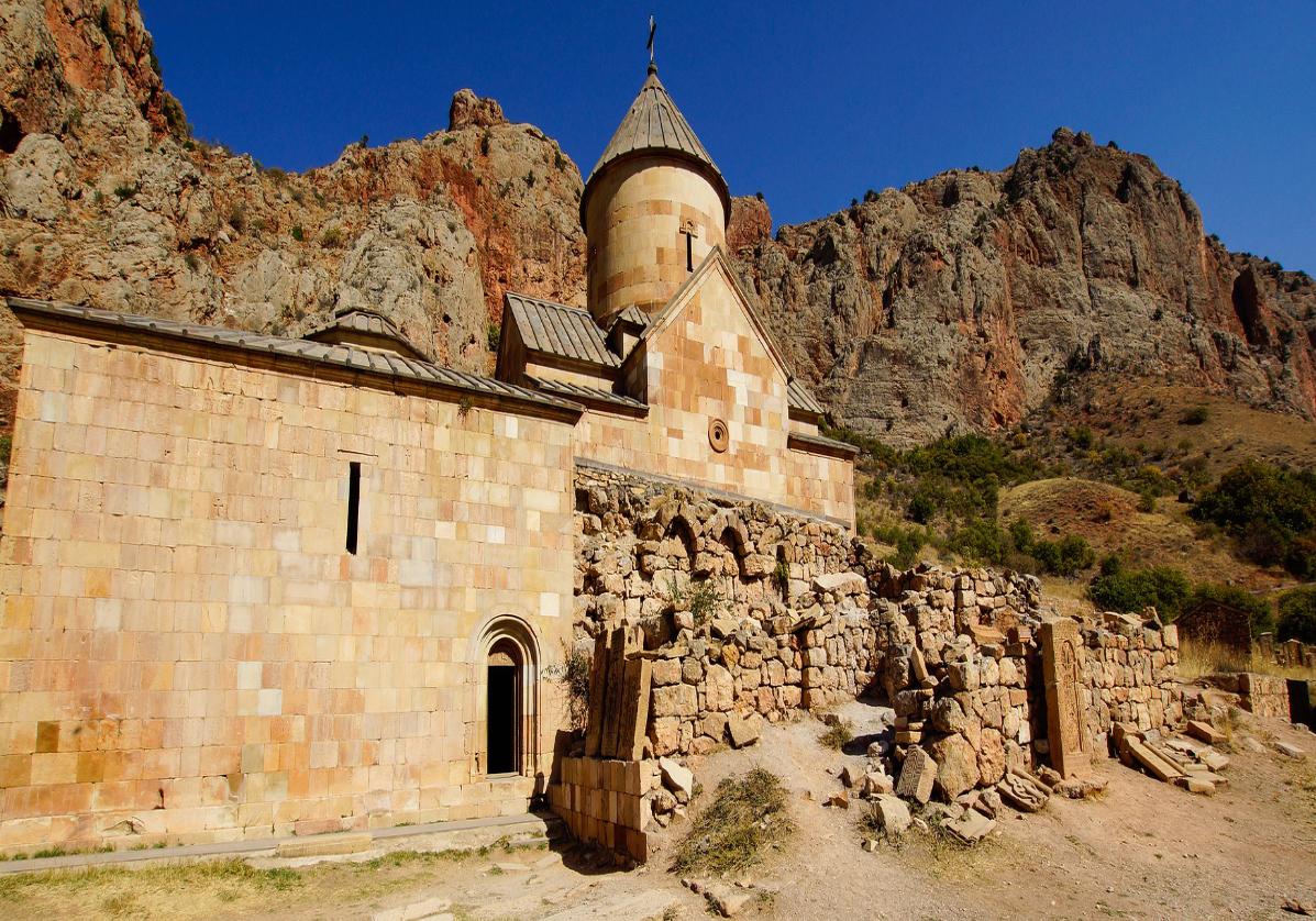 Monastère de Novarank entre culture et gastronomie