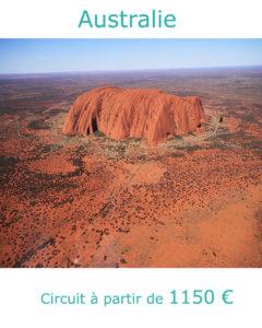 Vue aérienne de Ayers Rock à Uluru, partir en Australie en décembre avec Nirvatravel