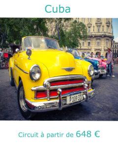 Voiture américaine dans le centre de La Havane, partir à Cuba en décembre avec Nirvatravel