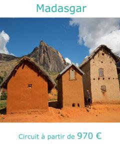 Maisons malgaches en torchi dans le massif de l'Adringita, partir à Madagascar au mois de mai avec Nirvatravel