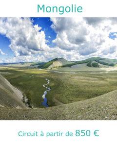 Paysage de steppe et rivière, partir en Mongolie au mois de juin avec Nirvatravel
