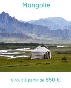 Yourte dans la steppe mongolienne, partir en Mongolie en juillet avec Nirvatravel