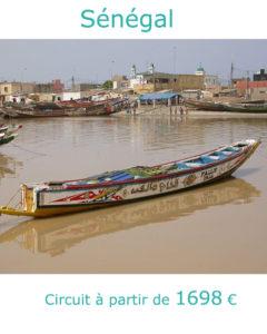 Pirogue dans le fleuve à Saint Louis, partir en Inde au Sénégal avec Nirvatravel