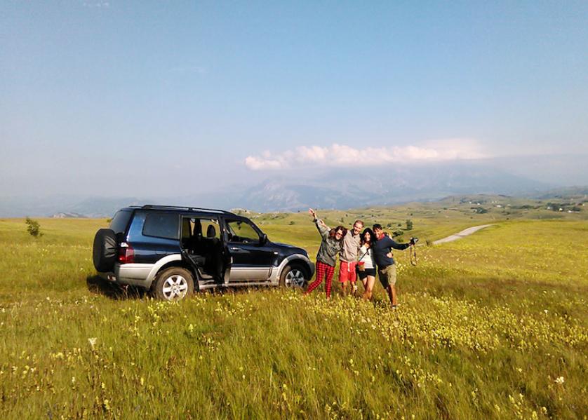 Jeep dans le parc national Biogradska Gora